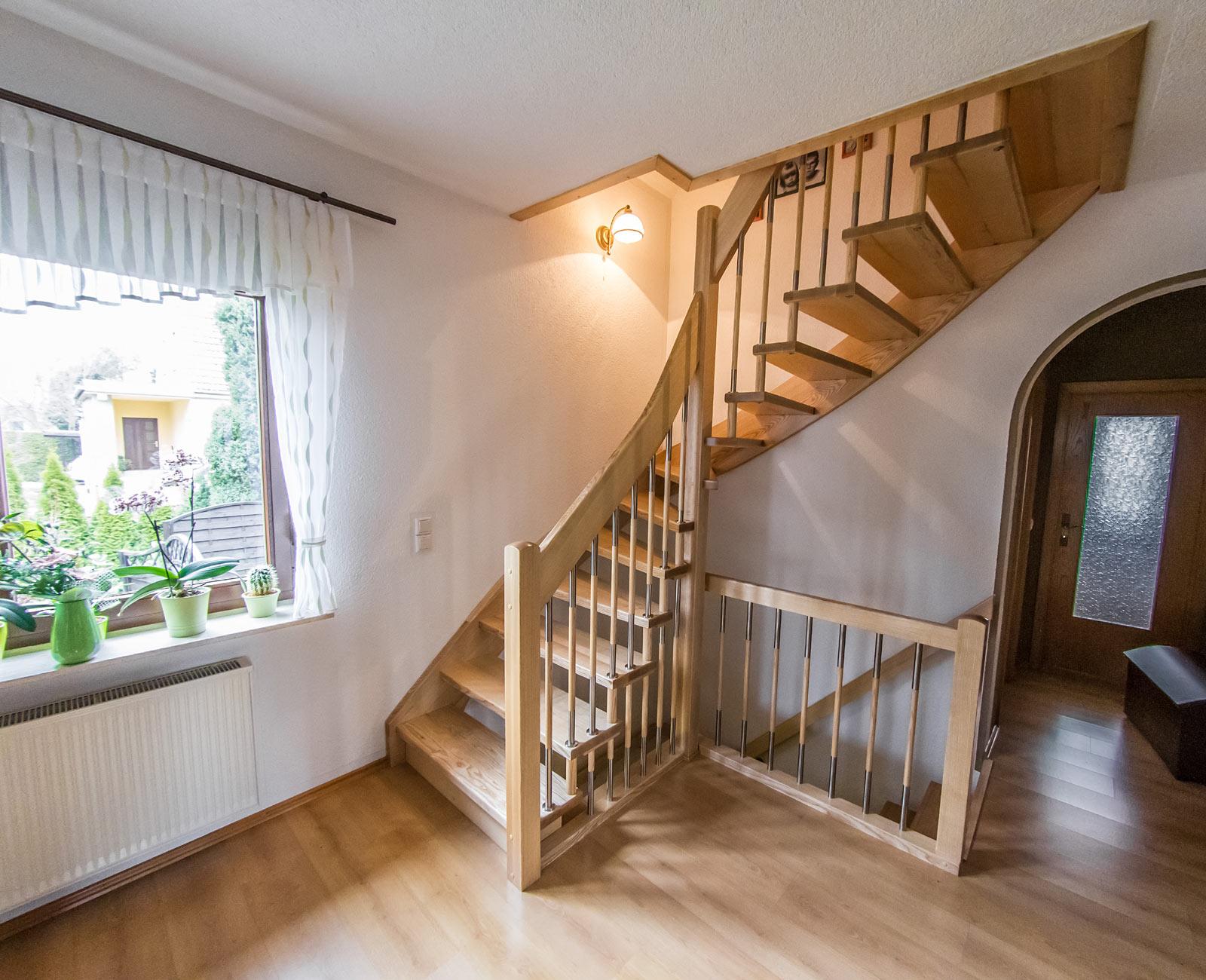treppenbau oranienbaum gmbh galerie. Black Bedroom Furniture Sets. Home Design Ideas